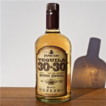 Rum - Mocambo 15 Years / 50cl / 40% Rum 39,00 CHF