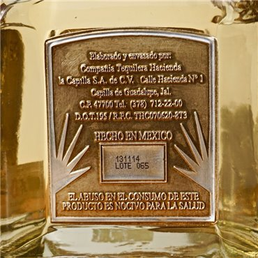 Gin - Loewen Wood Gin / 70cl / 40% Gin 57,00CHF
